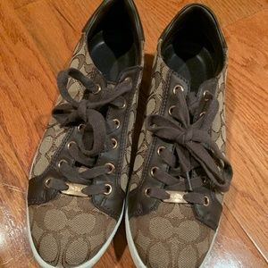 Coach women's shoes size 9 used great condition